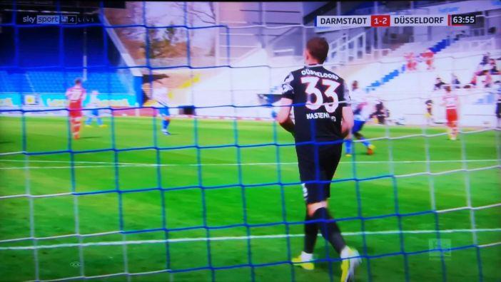 SVD vs F95: Florian Kastenmeier - oft im Brennpunkt (Screenshot Sky)