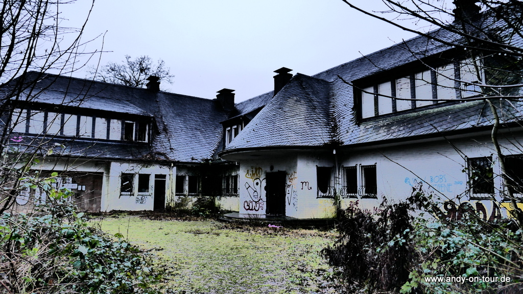Die Villa Sohl am Gartenkamp in Hubbelrath (Foto: https://www.andy-on-tour.de/deutschland/verlassene-villen.html)