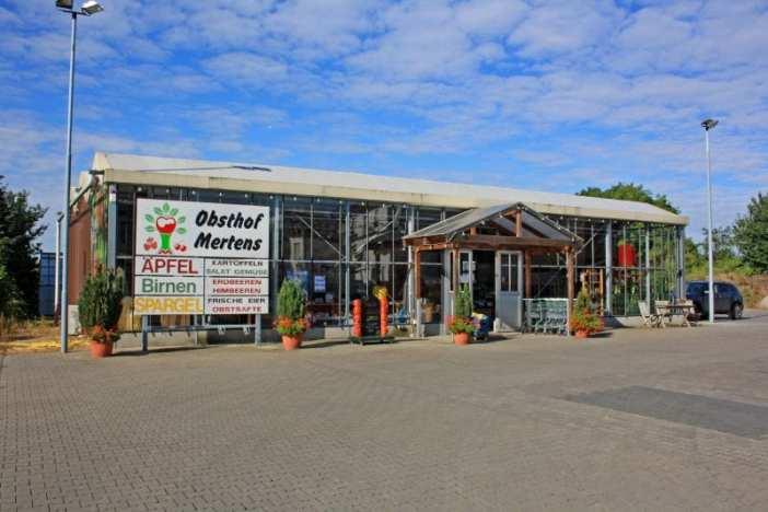 Der Hofladen des Obsthofs Mertens an der Grenze zwischen Lörick und Büderich (Foto: Obsthof Mertens)