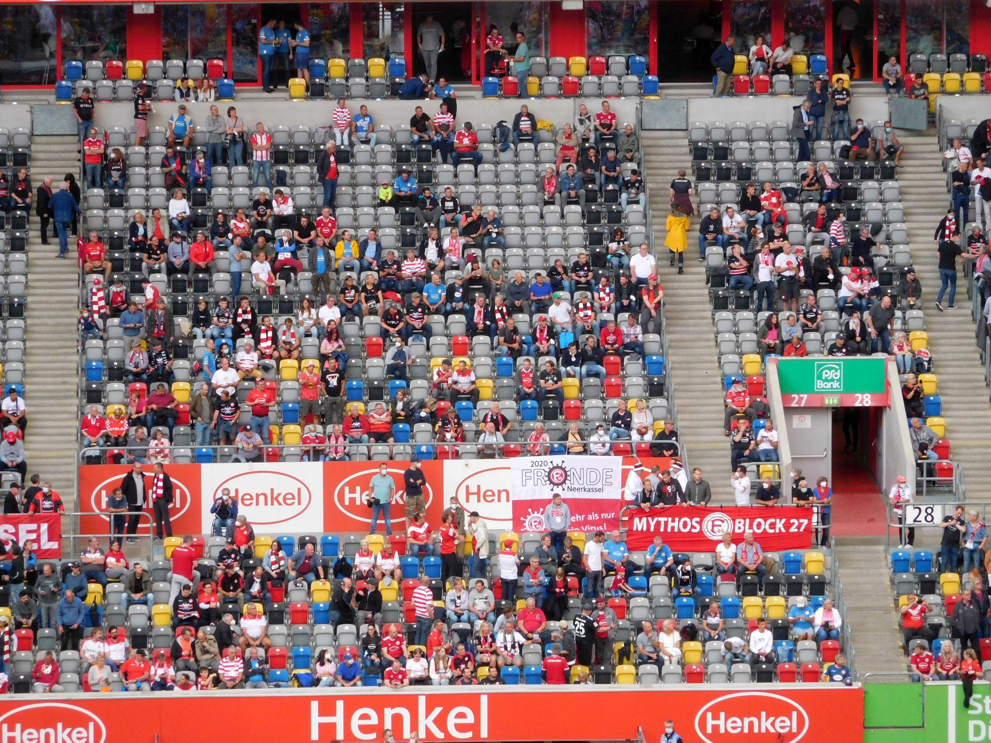 F95 vs Bremen: Block 27 - sah schon gut gefüllt aus (Foto: TD