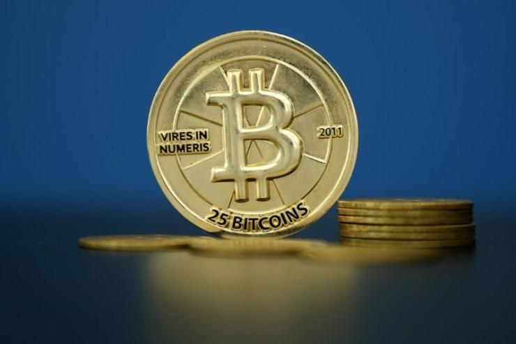 © Reuters.   eToro Deploys Blockchain-Based Experiment to Fight Wealth Inequality