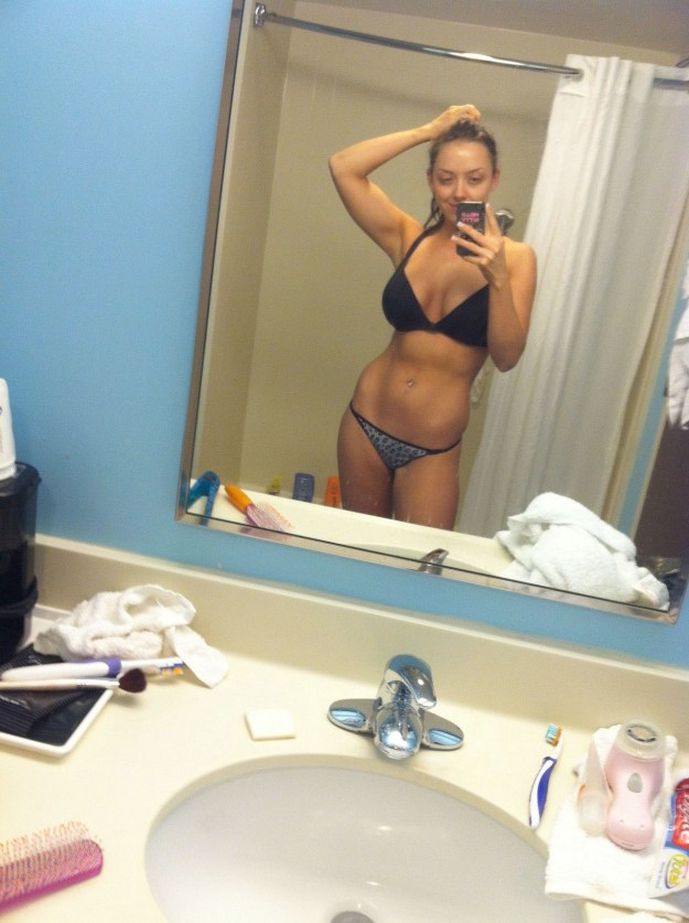 Laura Dennis aka TNA Allie leaked nude iCloud The Fappening