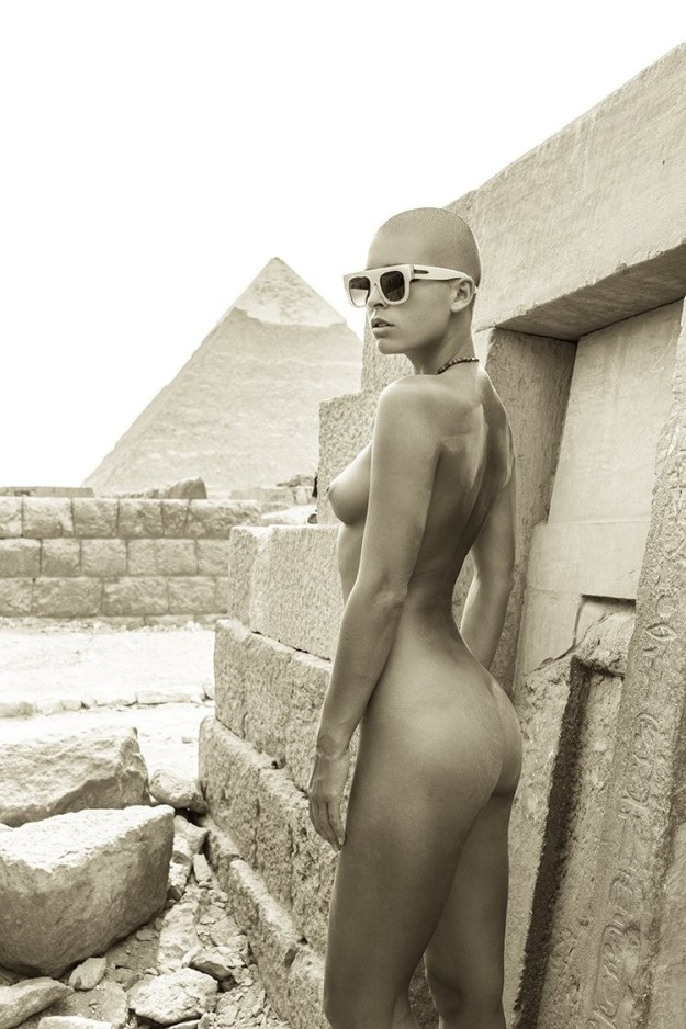 Marisa Papen Nude Desert Photo Shoot that Landed her in Jail