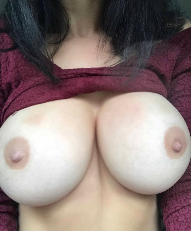 Model Emma Glover nude iCloud photos and SnapChat videos leaked The Fappening 2018