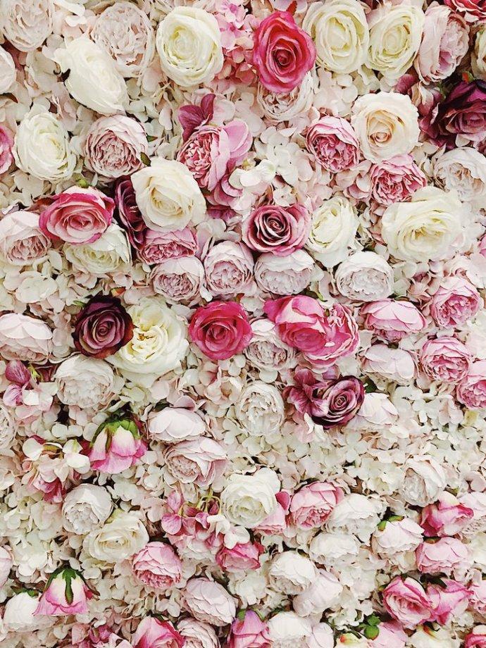 Flower-wall-at-Elan-Cafe-London