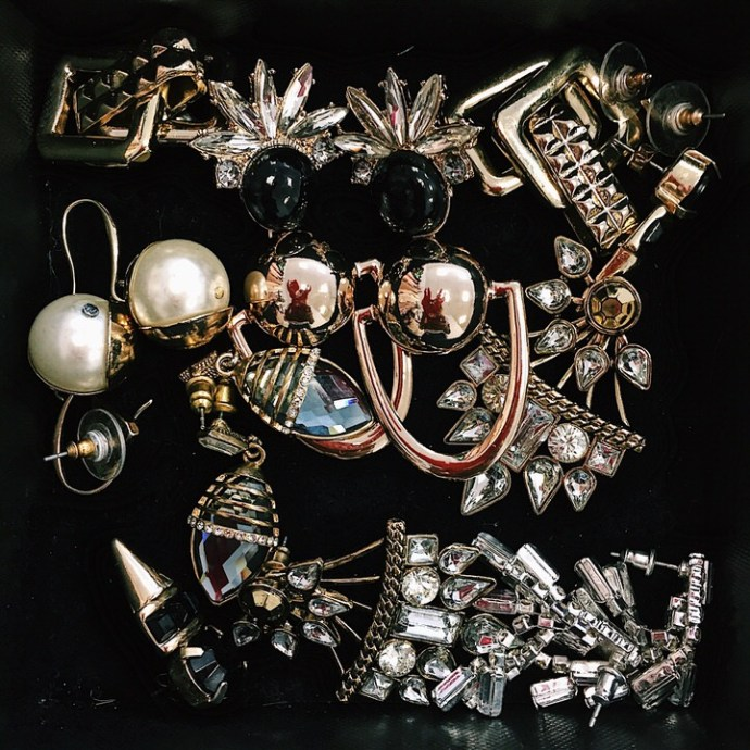 Selection-of-earrings-Fashion-Blogger-The-FT-Times