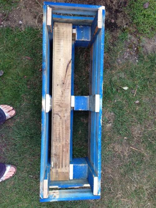 wooden pallet planter1