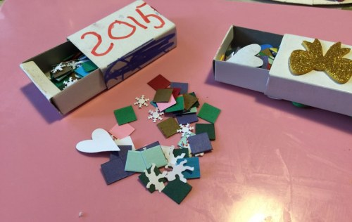 make your own New YEar confetti box
