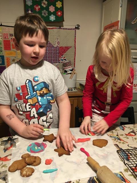 Gingerbread Man Biscuit Kit