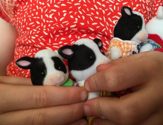 Sylvanian Families Fresian Cow family