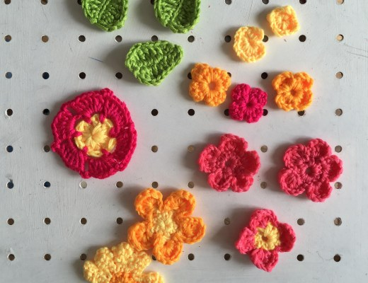 Mollie Makes crochet flower garland