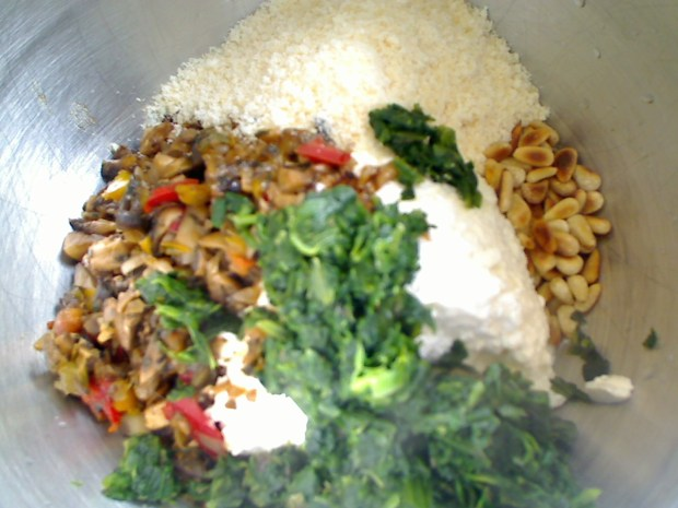 Cottage Cheese, Vegetables, Spinach, Pinenuts