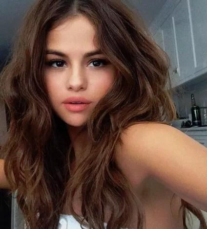Selena Gomez, Stunning Selfie
