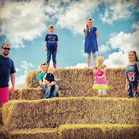 Anna Duggar Labor Day Photo, no arrows
