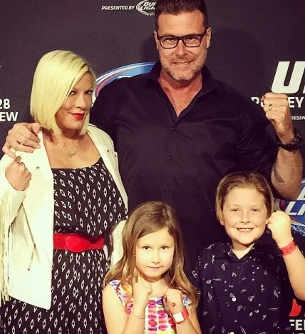 Tori Spelling, Dean McDermott UFC Fight Photo