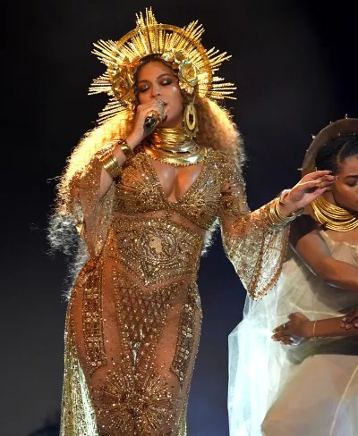 Beyonce on Grammys Stage