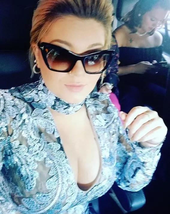 Amber portwood flaunts major cleavage