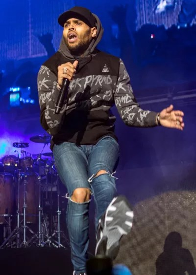 Chris Brown Dances on Stage