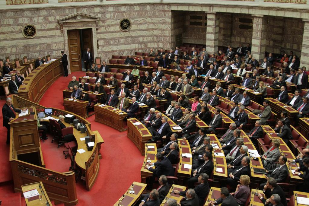 greek_parliament_-_plenary_hall_-_16_november_2011