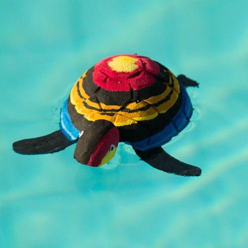 Sea turtle - Bahari suit. © Ocean Sole