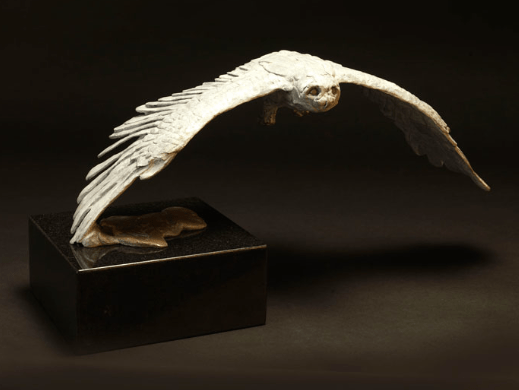 A snowy owl in flight, sculpted by Mark Coreth. Photo courtesy: Sladmore Contemporary Gallery