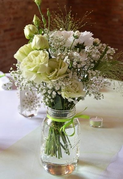 Gyp-white-bouquet-the-little-flower-shop-florist-london-chrysanthemum, rose and lisianthus vase bouquet white-min