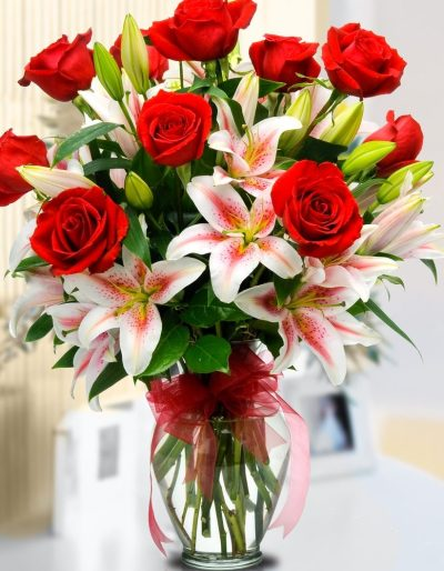 RED-ROSE-PINK-LILY-FLOWER-BOUQUET-THE-LITTLE-FLOWER-SHOP-FLORIST-LONDON-UK-DELIVERY