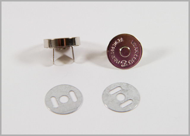 Bag Making Basics Tutorial – Installing Magnetic Snaps