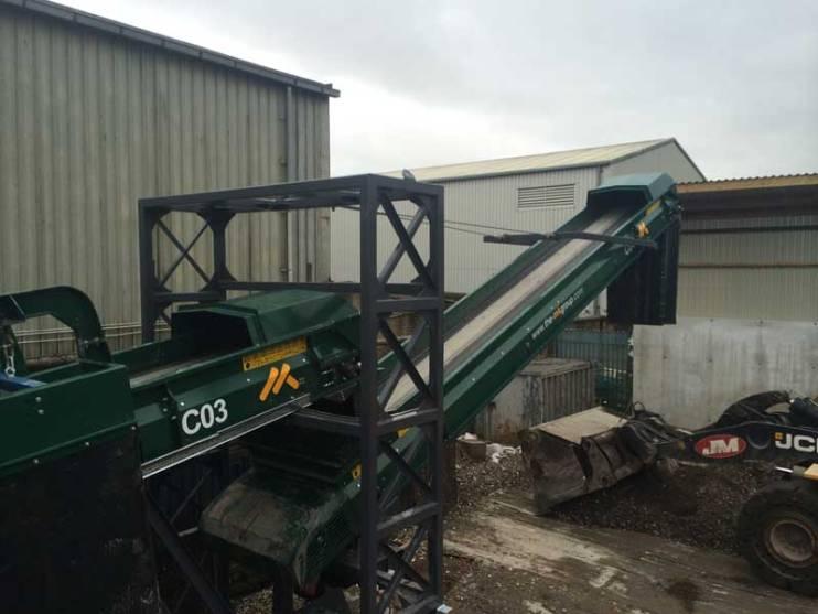Skip Waste Recycling Plant Swivel Stockpile Conveyor