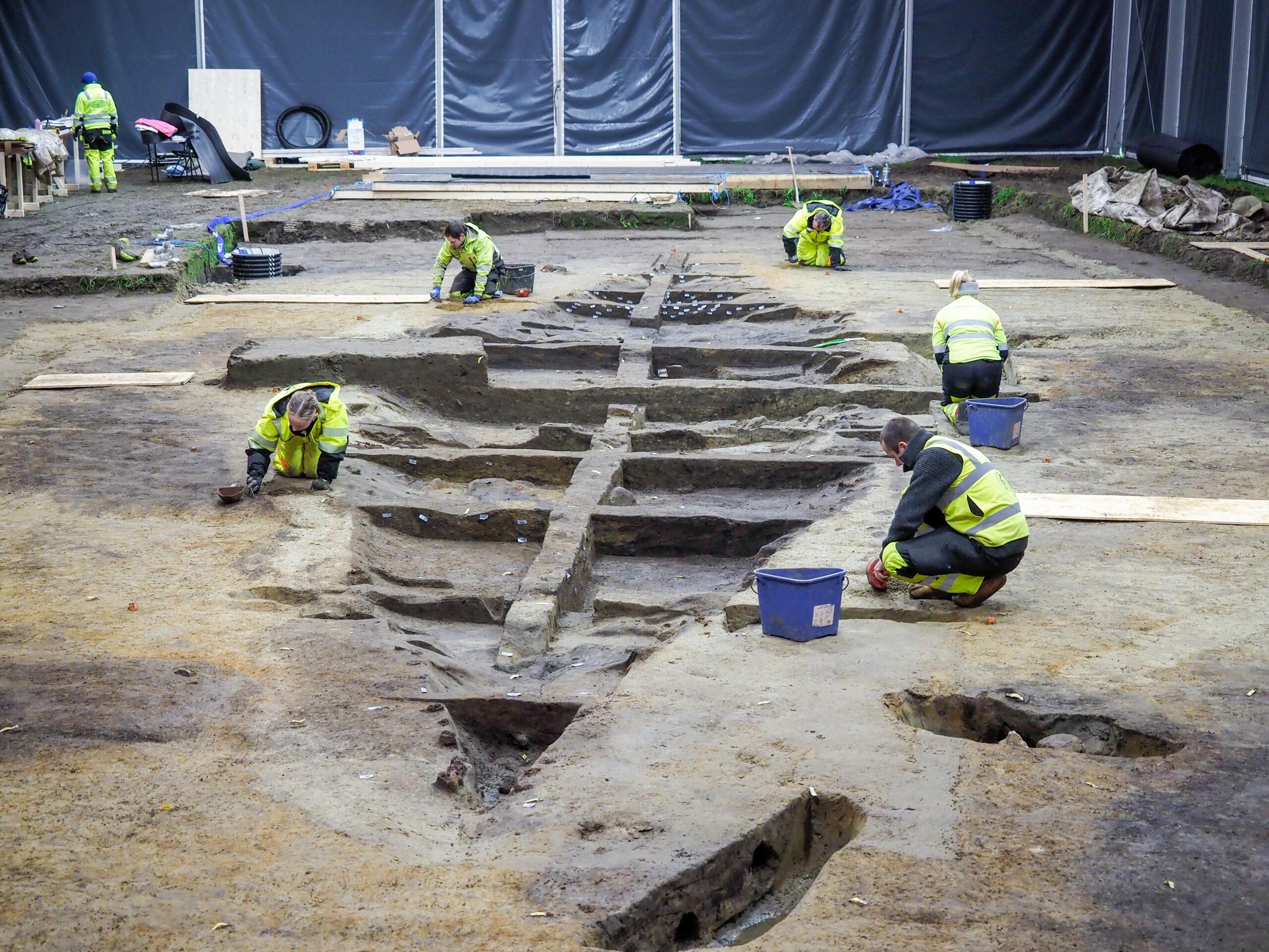 Ship shape: Viking burial found