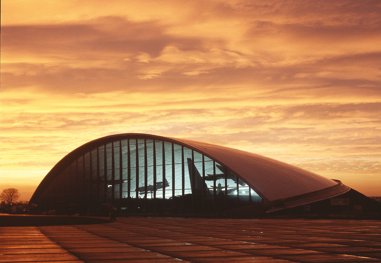 left The American Air Museum at Duxford. Designed by Norman Foster, it received critical acclaim for its modern take on traditional aircraft hangars.