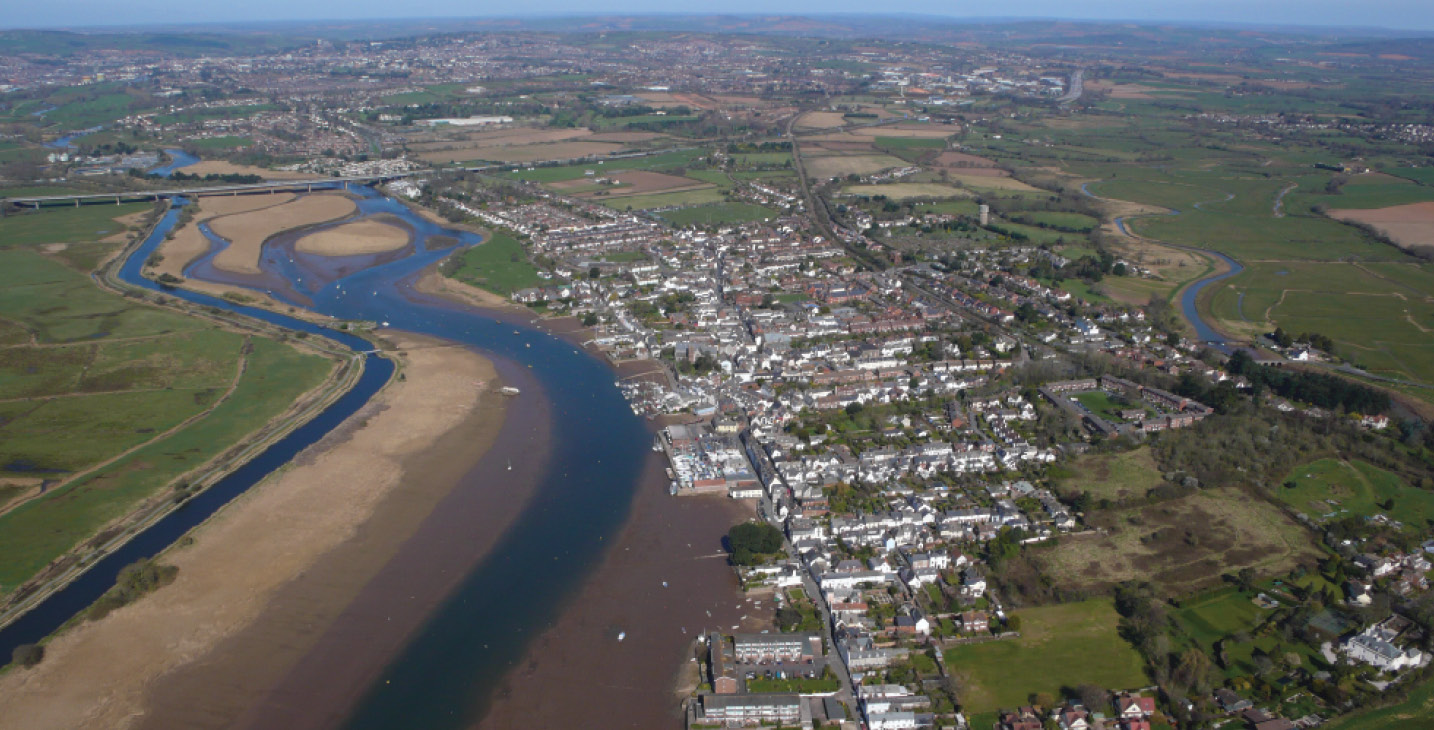 ABOVE RIGHT Overlooking the head of the Exe Estuary, looking north-west towards Exeter, with Topsham in the foreground.