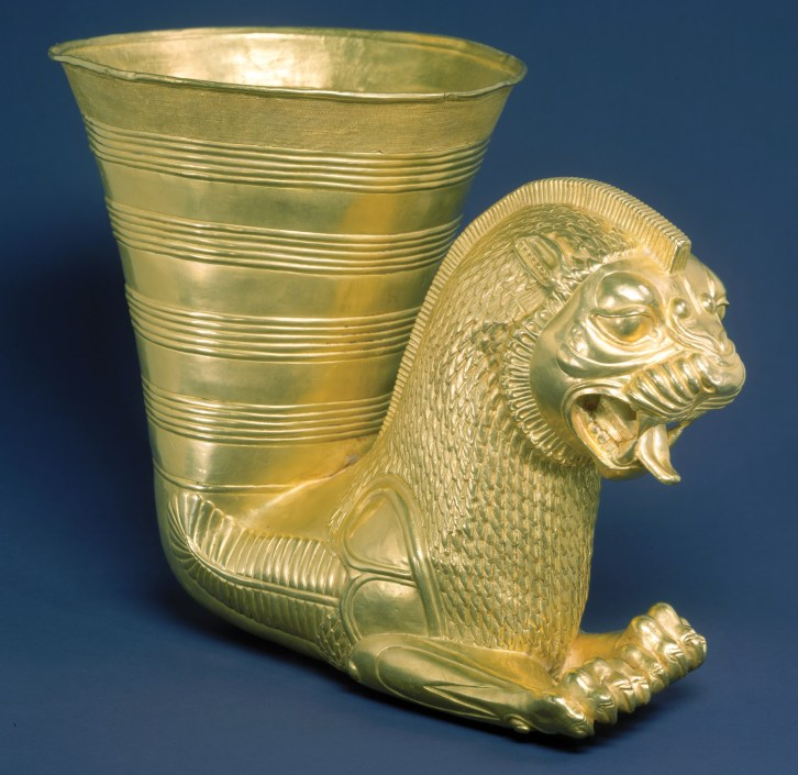 above Rhyton in the form of a winged lion. Gold, 500-330 BC. Size: 17 x 13.8cm