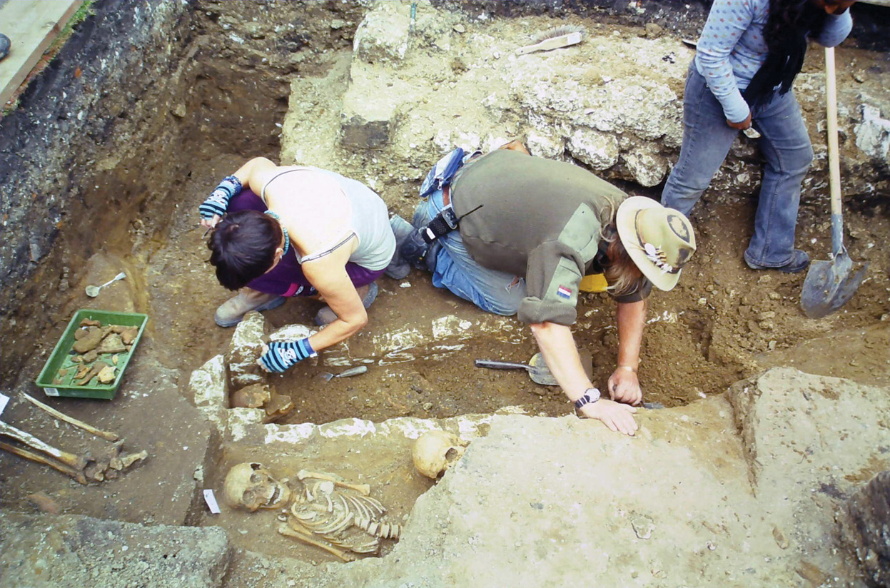 above As Time Team grew in popularity, a succession of high-status sites became available to them. Here they investigate the archaeology of Westminster Abbey.