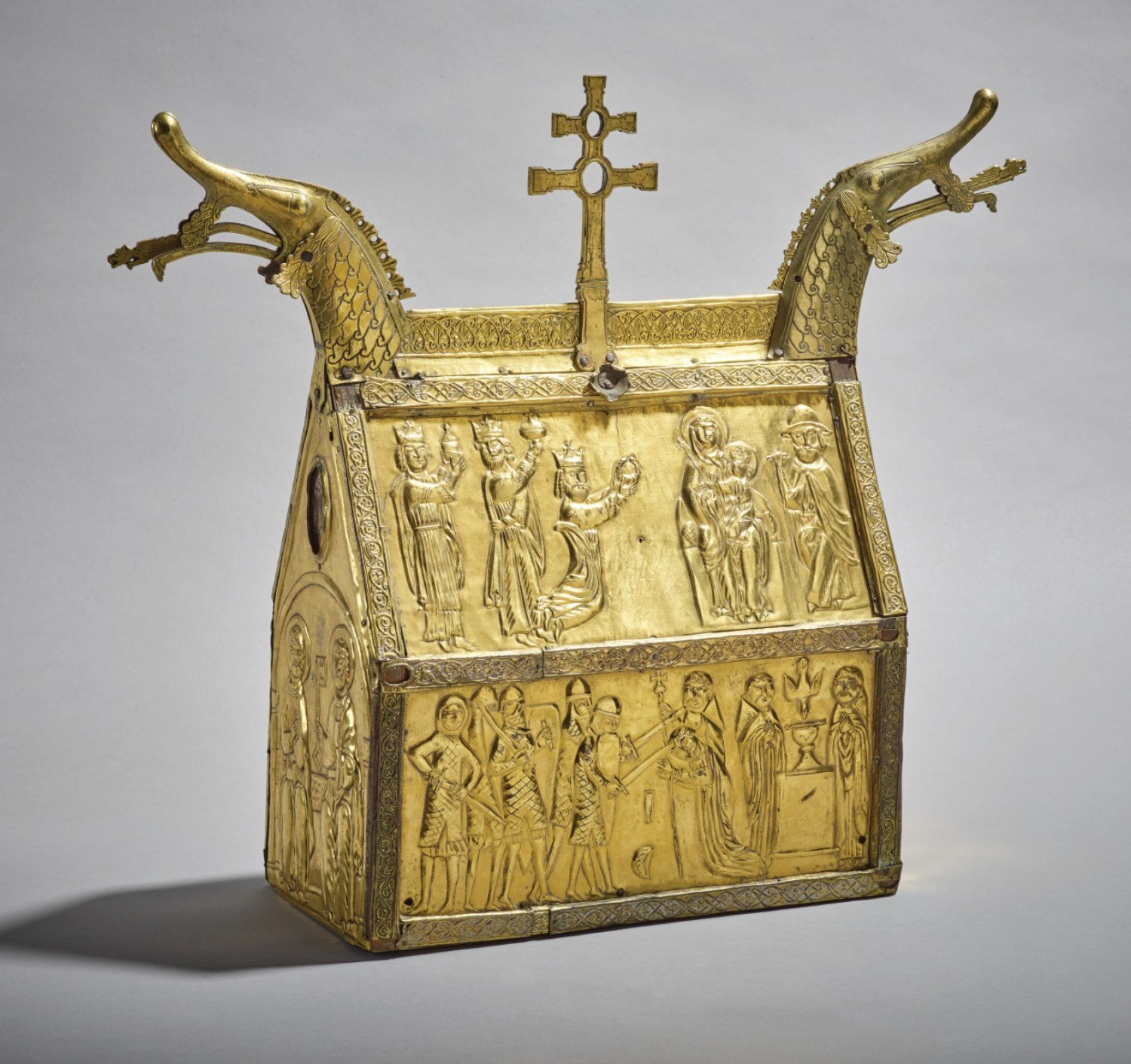 left Becket was venerated all over Christendom, and the reliquaries made to contain his relics often took on national stylistic characteristics, as in the case of the casket probably made in Bergen for the Hedalen Stave Church in Norway, c.1220-1250, with its prominent dragon-head finials.