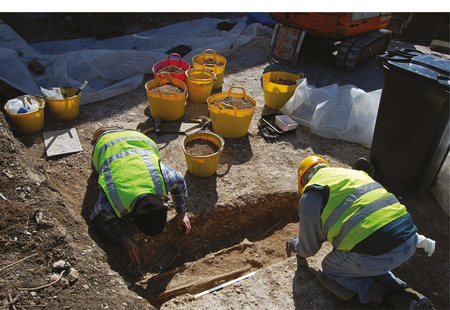 OPPOSITE The Kent Archaeological Rescue Unit has spent over 50 years excavating and recording archaeological features threatened by development. Here some of the members are shown excavating burials at the Anglo-Saxon cemetery at Horton Kirby in 2017.