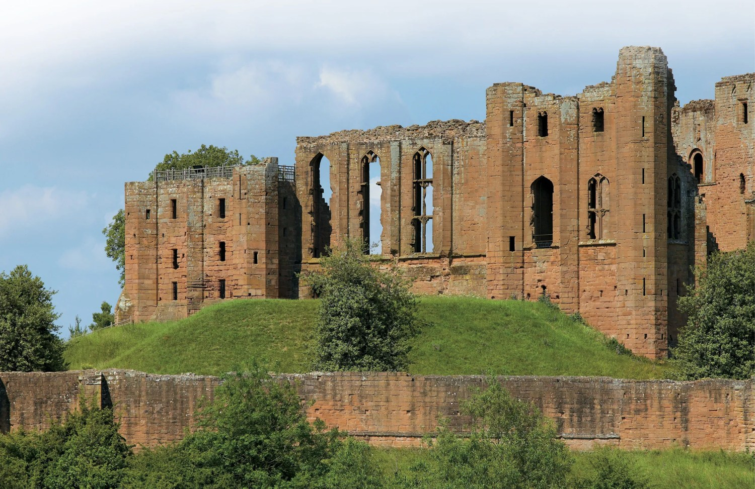 top Kenilworth Castle, where Robert Dudley, Earl of Leicester, sought to woo Elizabeth I.