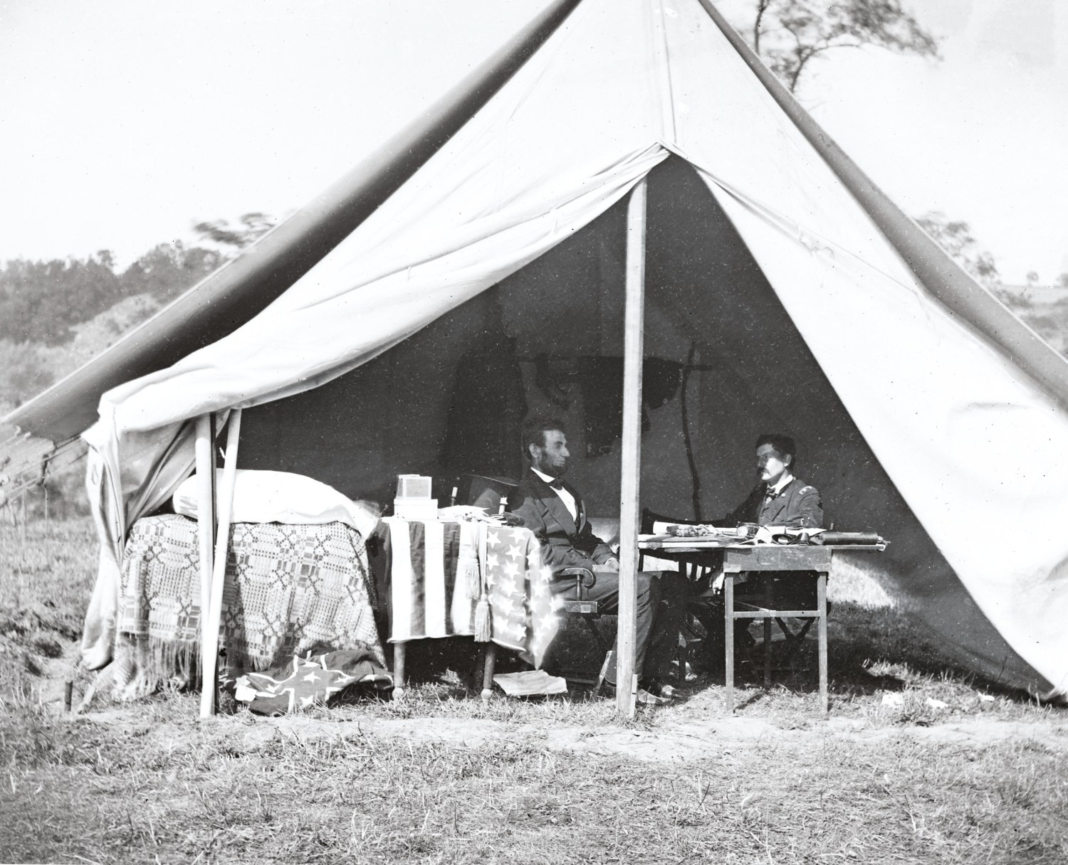 OPPOSITE Andrew Gardner's photo of Lincoln and McClellan meeting in the General's campaign tent near the Antietam battlefield in October 1862 is famous. It is posed, of course, but the body language still looks distinctly awkward.