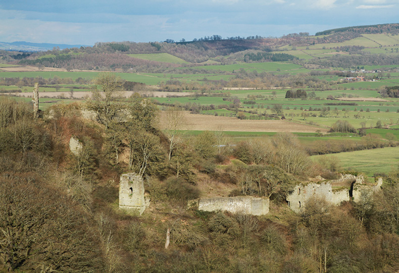 ABOVE Wigmore Castle, home to the Mortimers for 350 years, dominates the Herefordshire Marches.