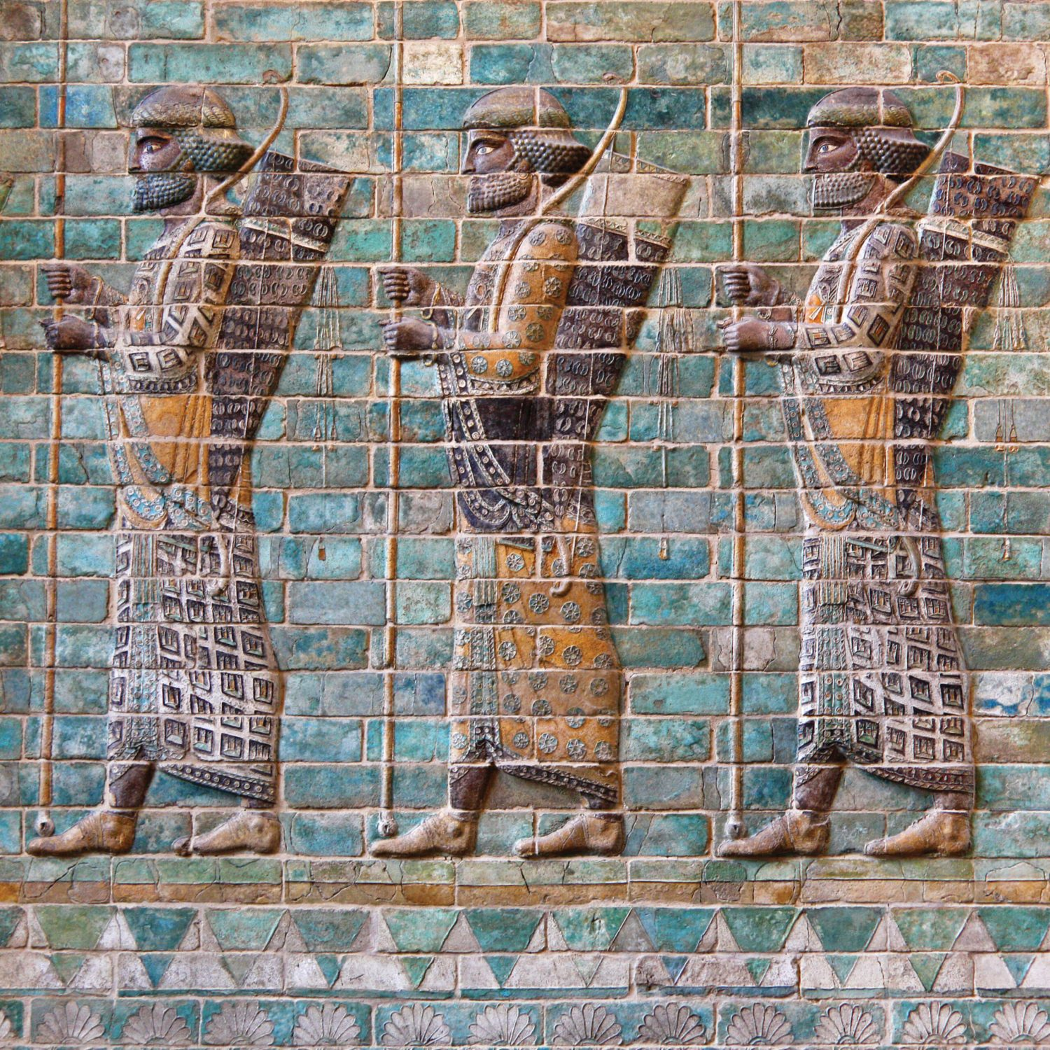 ABOVE Persian archers as depicted in glazed bricks that once decorated the Palace of Darius I at Susa.
