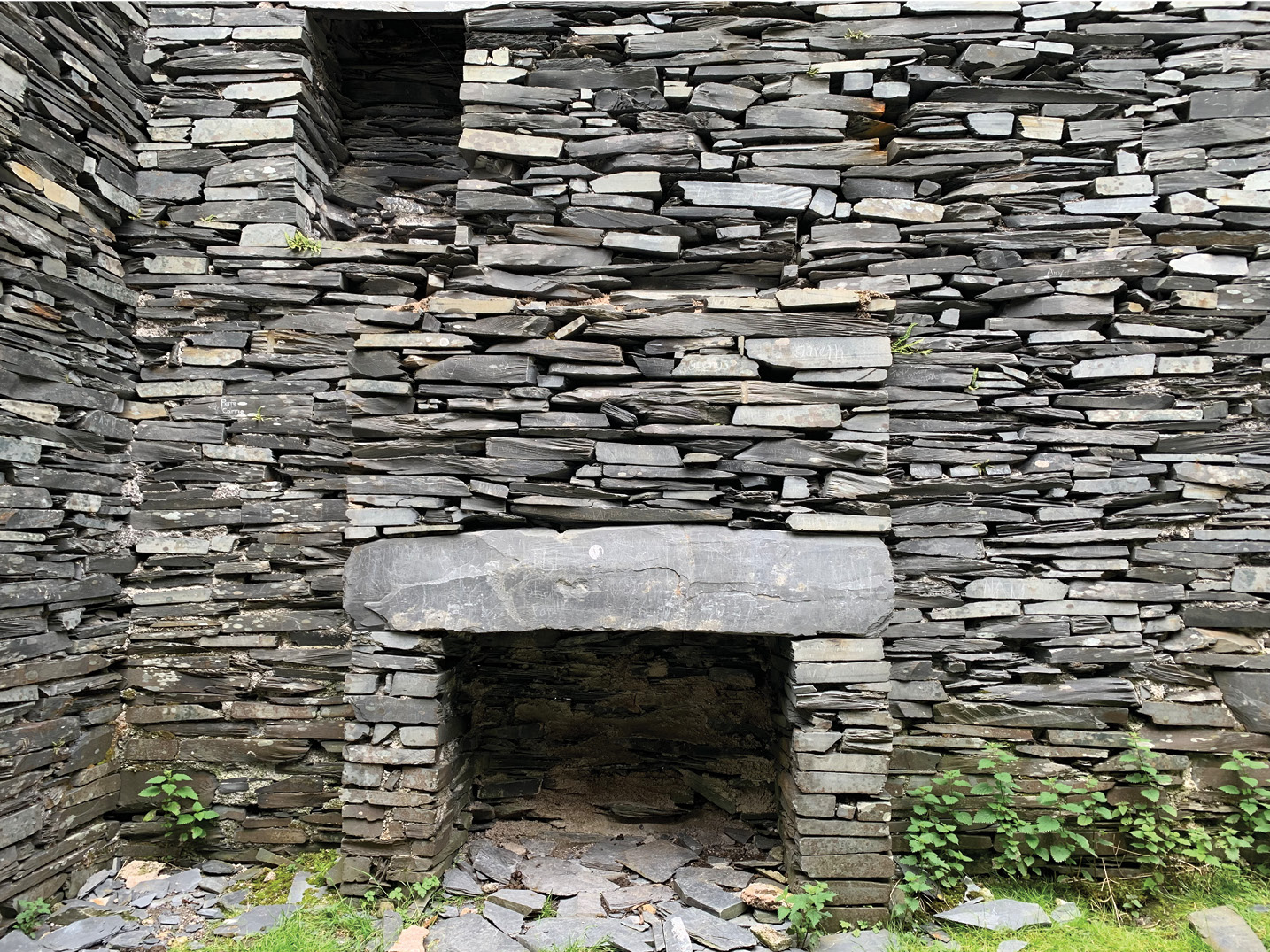 left A roofless cottage at Cwmorthin, above Blaenau Ffestiniog; families of up to 13 people once lived in two-room slate workers' cottages like these.