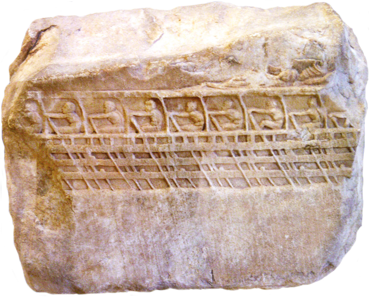 left An Athenian trireme of c.400 BC. The trireme revolutionised naval warfare and represented a mortal threat to Sparta since the Persian fleet might have outflanked the Isthmus at Corinth and landed a Persian army on the Peloponnesian coast. BELOW The Leonidas monument at Thermoplyae, where 300 Spartans fought to the death to defend the pass that led into central Greece.