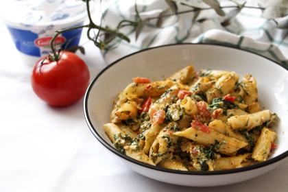 Pâtes épinards Ricotta Tomates