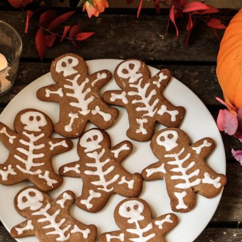 Des biscuits squelettes pour Halloween, une recette facile !