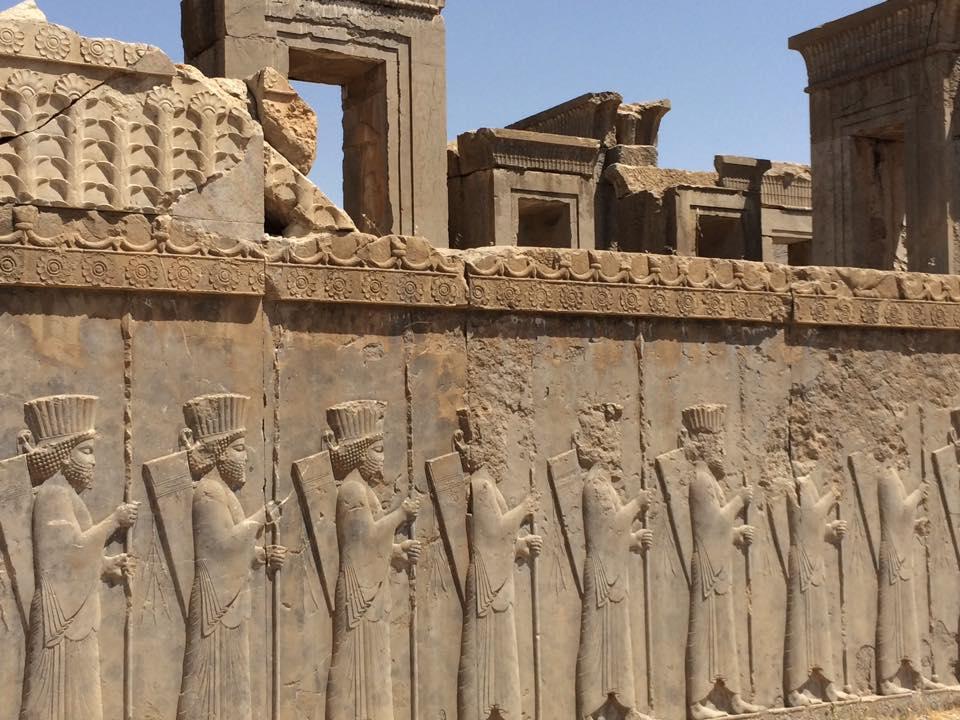 The immortal army. Kerajaan persia kuno memiliki 10.000 prajurit yang jumlahnya tidak pernah berkurang.