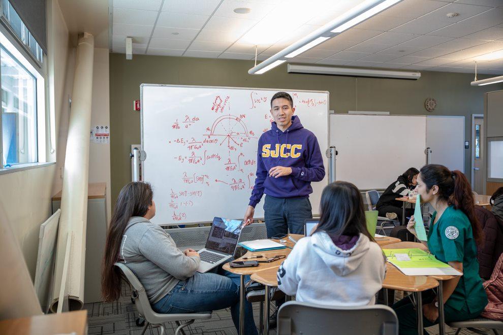 Mathematics students at San José City College study together.