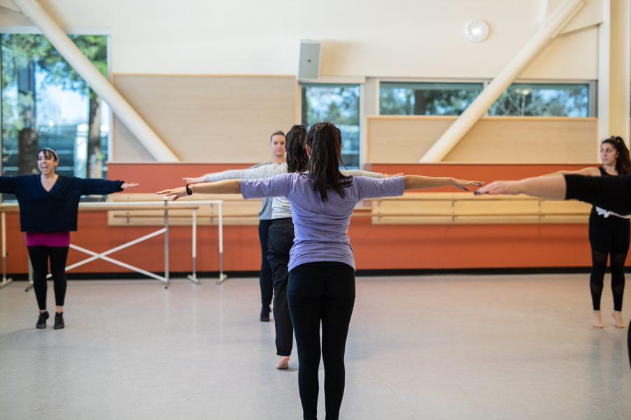 Dance class at San José City College.