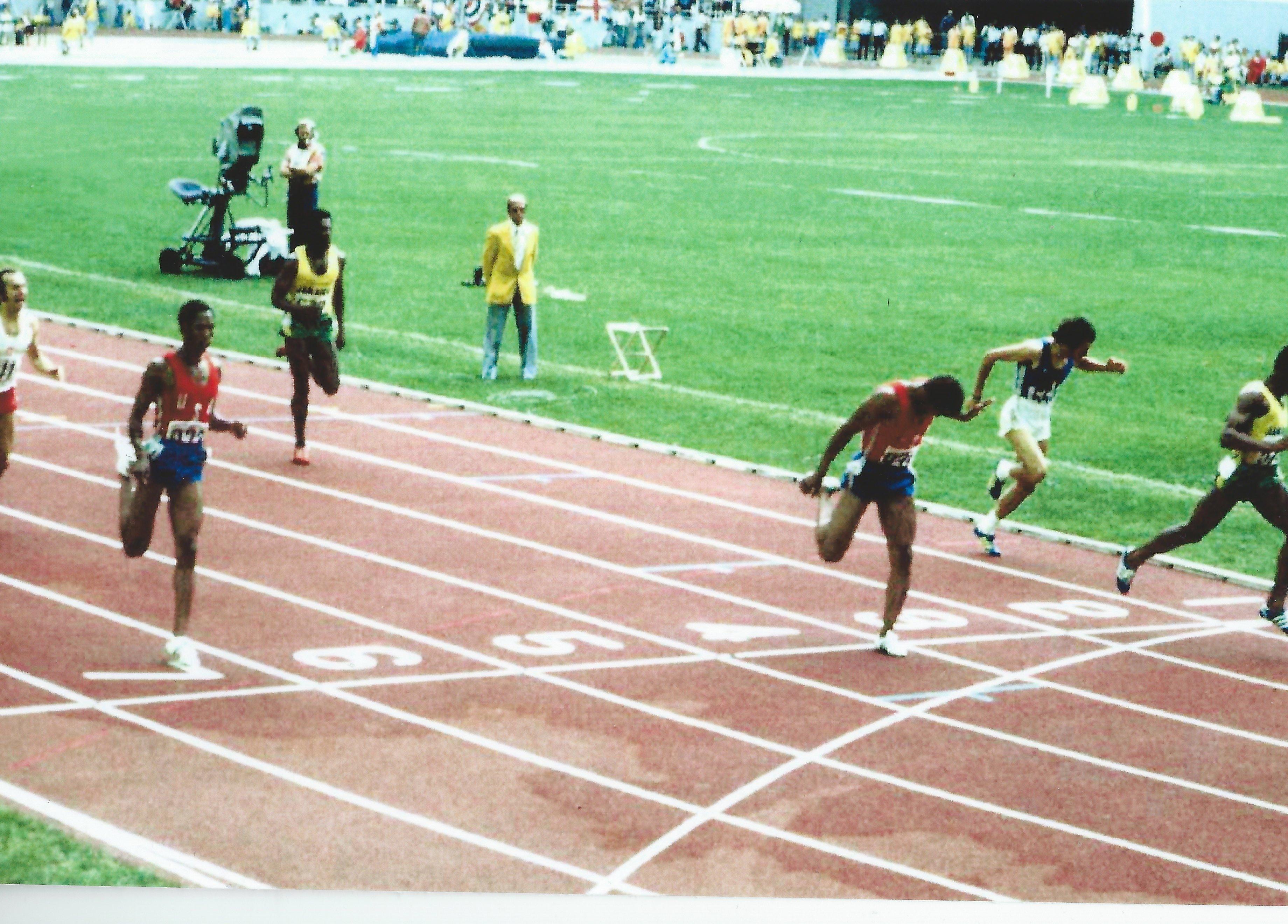 1976 Olympics - 200m Finish - Hampton wins silver