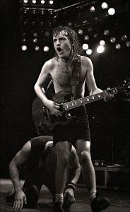 Angus Young, 1982