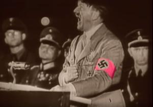 Man in the Mirror のショートフルムに出てくるヒトラー